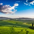 Misty valley in Tuscany at sunrise — Foto Stock