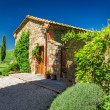 Tuscany Rural house in summer, Italy — Stock Photo #30355765