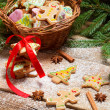 Preparing gingerbread cookies for Christmas — Stockfoto