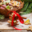 Packing gingerbread cookies for Christmas — Stockfoto