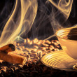 Closeup of cinnamon scent and roasted coffee — Stockfoto
