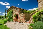 Summer cottage agriturismo in Tuscany, Italy — Stock Photo