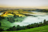 Foggy meadows in the morning, Tuscany — Stock Photo