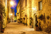 Ancient town of Pienza in Italy at night. — Stock Photo