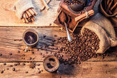 Enjoy your coffee made of grinding grains — Stock Photo