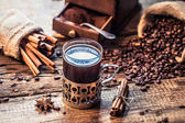 Freshly brewed coffee with the scent of cinnamon — Stock Photo
