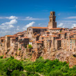 Pitigliano city on the cliff, Italy — Stock Photo