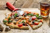 Homemade pizza with mushrooms — Stock Photo