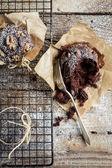 Eating freshly baked muffins — Stock Photo