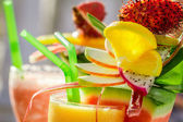 Closeup of drink with watermelon and fresh fruits — ストック写真