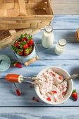 Homemade strawberry ice cream — Stock Photo