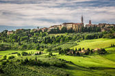 View of the town of Pienza at sunset — Stock Photo