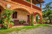 Tuscany Rural house in summer, Italy — Stock Photo