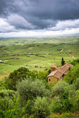 View of the red roof and green valley in Montepulciano, Italy — Stock Photo