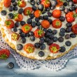 Tart with strawberries and blueberries — Stock Photo #50136327