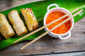 Spring rolls and sweet and sour sauce — Foto Stock