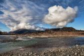 Chilkat River with clouds — Foto de Stock