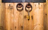 Wood door locked — Stock Photo