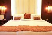 Tropikal yatak odası — Stok fotoğraf