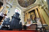 Der Innenraum der katholischen Kirche in Banska stiavnica — Stockfoto