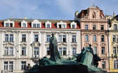 Prague, Old Town Square Jan Hus monument — Stockfoto