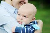 Portret zbliżenie ładny chłopczyk — Zdjęcie stockowe
