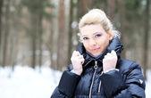 Beautiful lady in winter coat — Stock Photo