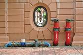 Idrante con tubi di acqua e fuoco estinguere attrezzature — Foto Stock