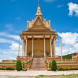 Golden Temple With Blue Sky Cambodia — Stok fotoğraf
