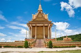 Golden Temple With Blue Sky Cambodia — Stock Photo
