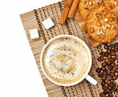 Coffee cup with cookies and cinnamo — Stock Photo