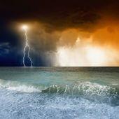 Lightning in sky, sea — Stock Photo