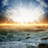 Beau lever de soleil sur la mer — Photo