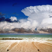 Güzel deniz ve gökyüzü — Stok fotoğraf
