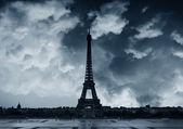 Paris bulutlu — Stok fotoğraf