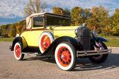 Histórico do carro antigo — Fotografia Stock