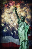 Staty av Liberty & fyrverkerier — Stockfoto