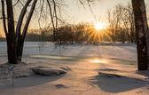 Bevroren rivier zonsopgang — Stockfoto