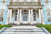 古い早乙女ロシア宮殿の正面図 — ストック写真