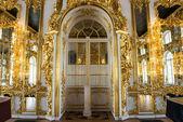 Golden palace door in Russia — Stock Photo
