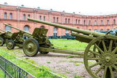 Old vintage Russian artillery systems and equipment on grass — Stock Photo