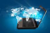 Sociale netwerken concept: Laptop met sociaal netwerk op de wereld — Stockfoto