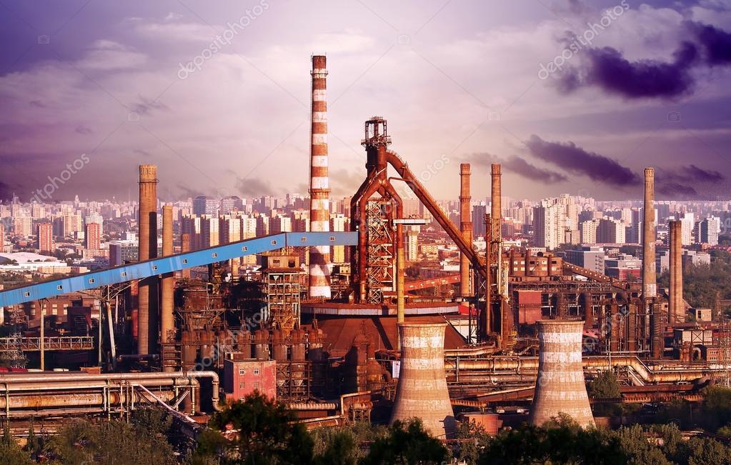 Paisaje de f bricas de energ a construcci n con grandes for Fabrica de chimeneas