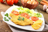 Chicken cutlet with salad — Stock Photo