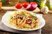 Spaghetti with prawns — Stock Photo