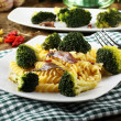 Pasta with fresh broccoli and anchovies — Stock Photo
