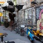 ������, ������: Art court with graffiti in Berlin