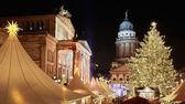 Jarmark bożonarodzeniowy w gendarmenmarkt, berlin — Zdjęcie stockowe