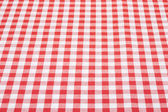 Fundo de toalha de mesa vermelha e branca em perspectiva — Fotografia Stock