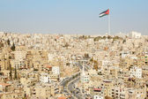 Amman city view with big Jordan flag and flagpole — Foto Stock